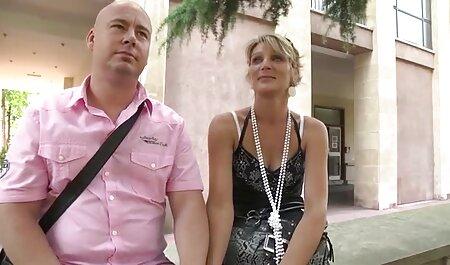 Si-a bagat mana in cur si filmexxx cu femei cu pula pizdulice