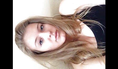 Blonda cu cel mai bun stroking penisul unui filmexxx cu femei mature prieten