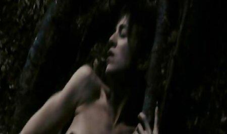 Tânărul partener a pus filmexxx cu zoofili porno