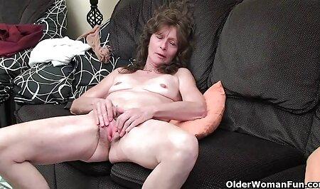 Târfele rusești arată sânii filmexxx cu mama mici și subțiri.