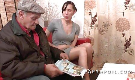 Fetele din Rusia le filmexxx cu brunete place să fie însoțite de doi bărbați înalți.