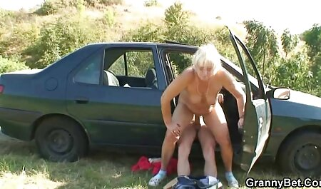 Sex de un cuplu de Adolescenti în filmexxx cu mame vitrege pădure