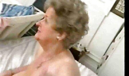 Blonda vrea sa se filmexxx cu romance bucure de sex