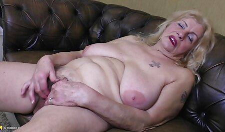 Două lesbiene trage bilele filmexxx cu mature lor fund.